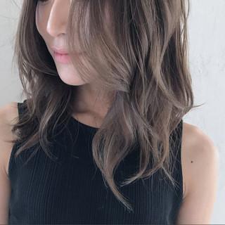 ミディアム 上品 秋 エレガント ヘアスタイルや髪型の写真・画像