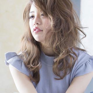 ウェーブ ロング 女子会 アンニュイ ヘアスタイルや髪型の写真・画像
