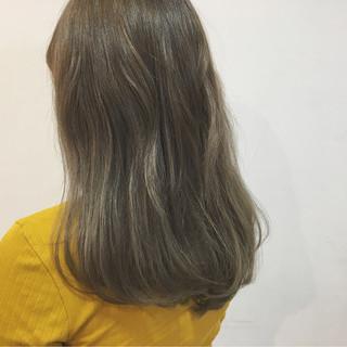 夏 フェミニン ロング グレージュ ヘアスタイルや髪型の写真・画像