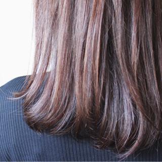 セミロング ブラウン ナチュラル ラベンダーピンク ヘアスタイルや髪型の写真・画像