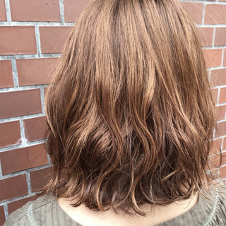 ストリート ミディアム ハイライト アッシュ ヘアスタイルや髪型の写真・画像