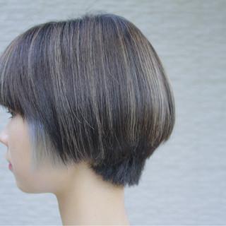 ダブルカラー ショートボブ インナーカラー 透明感 ヘアスタイルや髪型の写真・画像