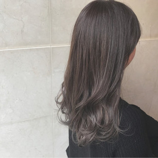 グレージュ グラデーションカラー ロング アッシュグレージュ ヘアスタイルや髪型の写真・画像