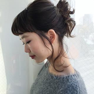 ルーズ ミディアム 簡単ヘアアレンジ 束感 ヘアスタイルや髪型の写真・画像 ヘアスタイルや髪型の写真・画像