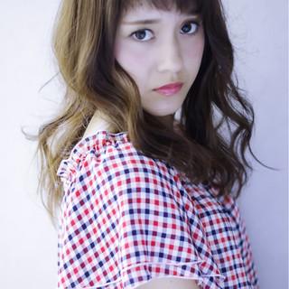 セミロング ガーリー 前髪あり フェミニン ヘアスタイルや髪型の写真・画像