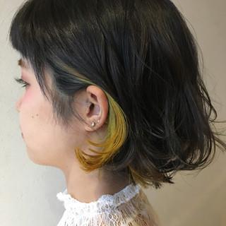 インナーカラー 黒髪 ショート ストリート ヘアスタイルや髪型の写真・画像
