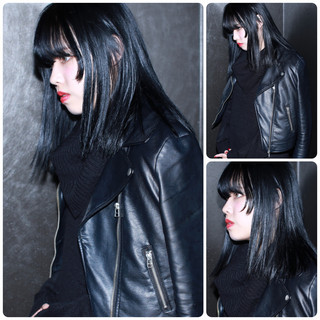ブルーブラック ストリート ボブ ダブルカラー ヘアスタイルや髪型の写真・画像
