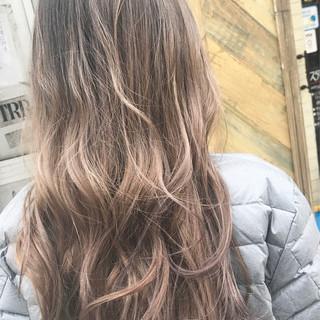 金髪 ガーリー 外国人風カラー グレージュ ヘアスタイルや髪型の写真・画像