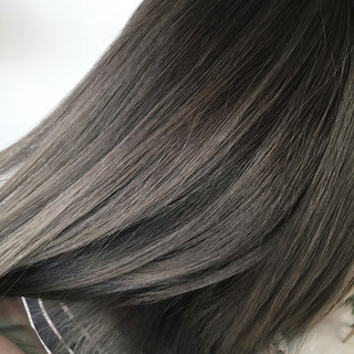 グラデーションカラー セミロング 秋 グレージュ ヘアスタイルや髪型の写真・画像
