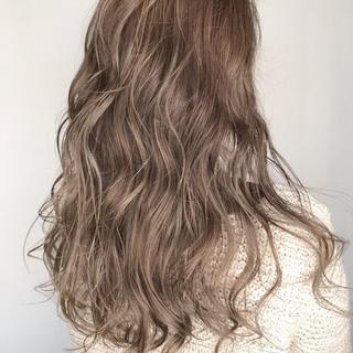 透明感 ロング 外国人風カラー ウェットヘア ヘアスタイルや髪型の写真・画像 ヘアスタイルや髪型の写真・画像