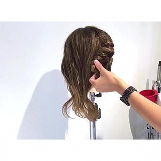 ロング ヘアアレンジ フェミニン オフィス ヘアスタイルや髪型の写真・画像