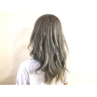 外国人風 渋谷系 ミディアム ハイライト ヘアスタイルや髪型の写真・画像 ヘアスタイルや髪型の写真・画像