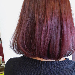 レッド ボブ グラデーションカラー ピンク ヘアスタイルや髪型の写真・画像