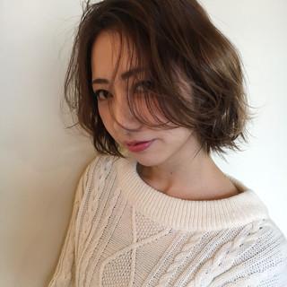 かっこいい こなれ感 ウェーブ ナチュラル ヘアスタイルや髪型の写真・画像
