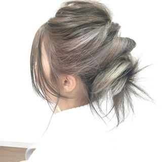 ミディアム インナーカラー アッシュ ヘアアレンジ ヘアスタイルや髪型の写真・画像