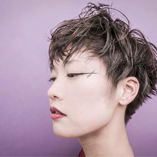 アッシュ 透明感 モード ベージュ ヘアスタイルや髪型の写真・画像