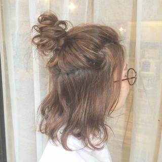 夏 ハイライト 簡単ヘアアレンジ ハーフアップ ヘアスタイルや髪型の写真・画像