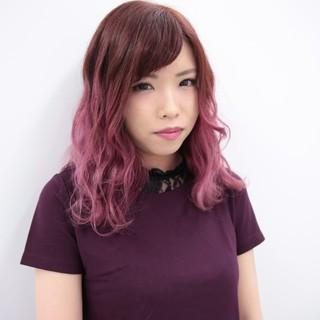 フェミニン レッド ダブルカラー グラデーションカラー ヘアスタイルや髪型の写真・画像