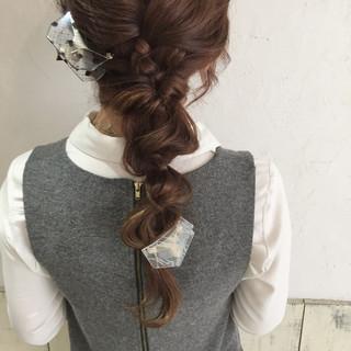 フェミニン ナチュラル ヘアアレンジ イルミナカラー ヘアスタイルや髪型の写真・画像