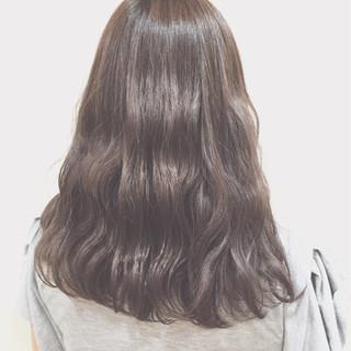 外国人風 イルミナカラー ストリート くせ毛風 ヘアスタイルや髪型の写真・画像