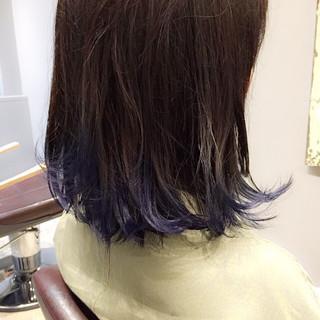 ミディアム ストリート インナーカラー ネイビー ヘアスタイルや髪型の写真・画像