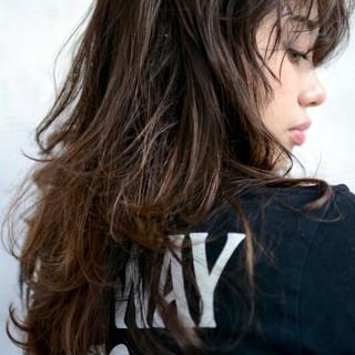 暗髪 セミロング 外国人風 ストリート ヘアスタイルや髪型の写真・画像