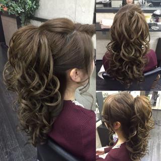 巻き髪 大人女子 ヘアアレンジ セミロング ヘアスタイルや髪型の写真・画像