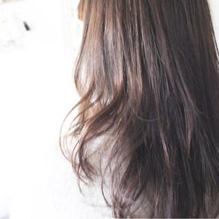 透明感 ロング 大人女子 アッシュグレージュ ヘアスタイルや髪型の写真・画像