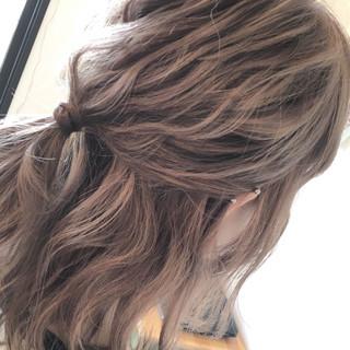 ダブルカラー ガーリー 透明感 簡単ヘアアレンジ ヘアスタイルや髪型の写真・画像