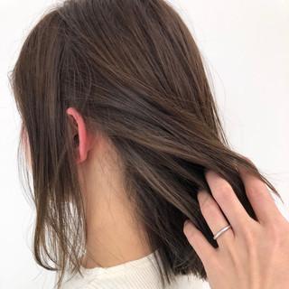 ナチュラル ハイライト ミディアム インナーカラー ヘアスタイルや髪型の写真・画像