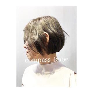 ボブ グレージュ グレー イルミナカラー ヘアスタイルや髪型の写真・画像