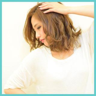 夏 ミディアム デート 涼しげ ヘアスタイルや髪型の写真・画像