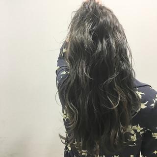 ブラウン ストリート ハイライト ロング ヘアスタイルや髪型の写真・画像
