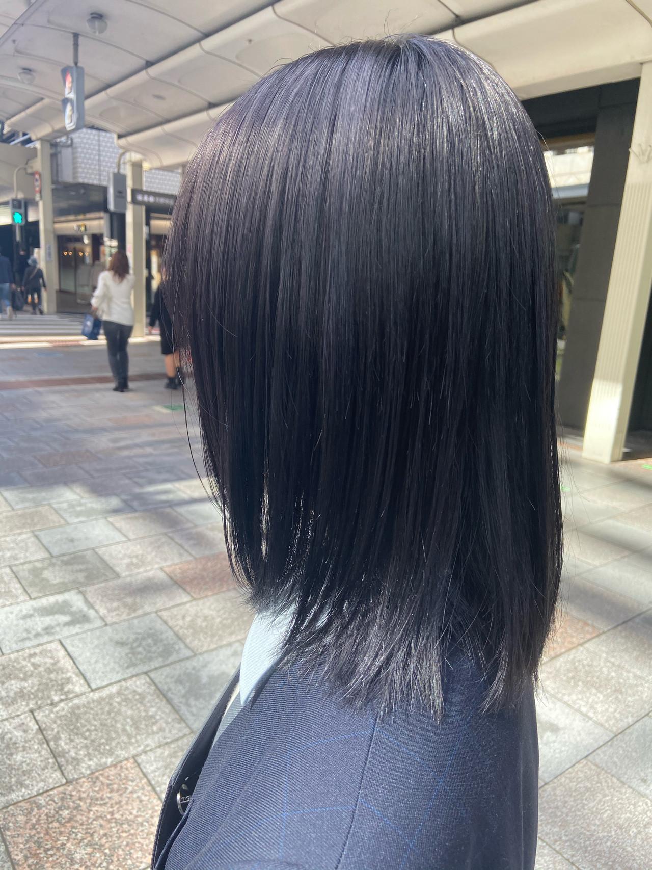 セミロング ブルージュ ブルー ブルーアッシュ ヘアスタイルや髪型の写真・画像