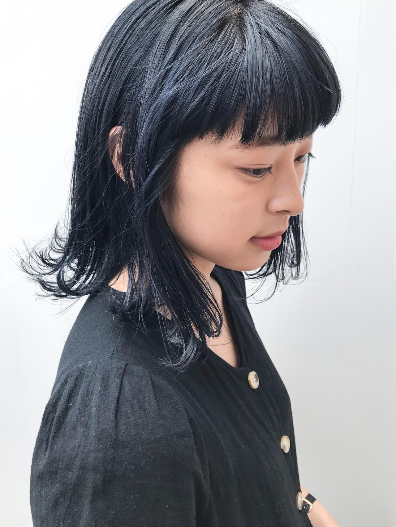 デート ミディアム アウトドア 外ハネ ヘアスタイルや髪型の写真・画像