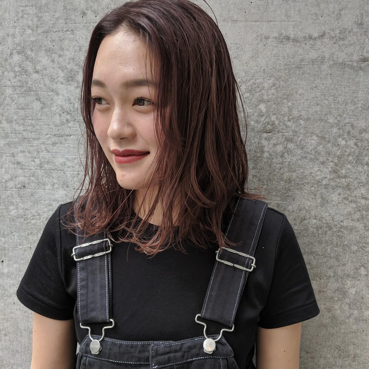 パープルアッシュ ラベンダーピンク ラベンダーアッシュ ヘアアレンジ ヘアスタイルや髪型の写真・画像