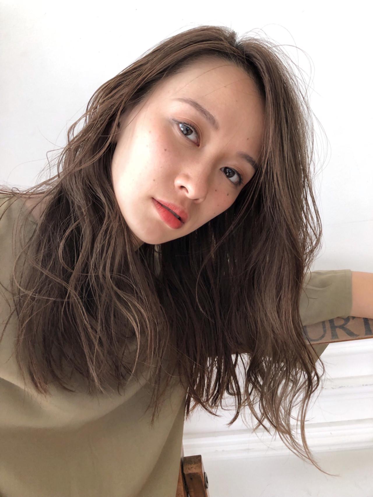 アンニュイ ナチュラル セミロング ハイライト ヘアスタイルや髪型の写真・画像 | スガ シュンスケ / Tierra (ティエラ)