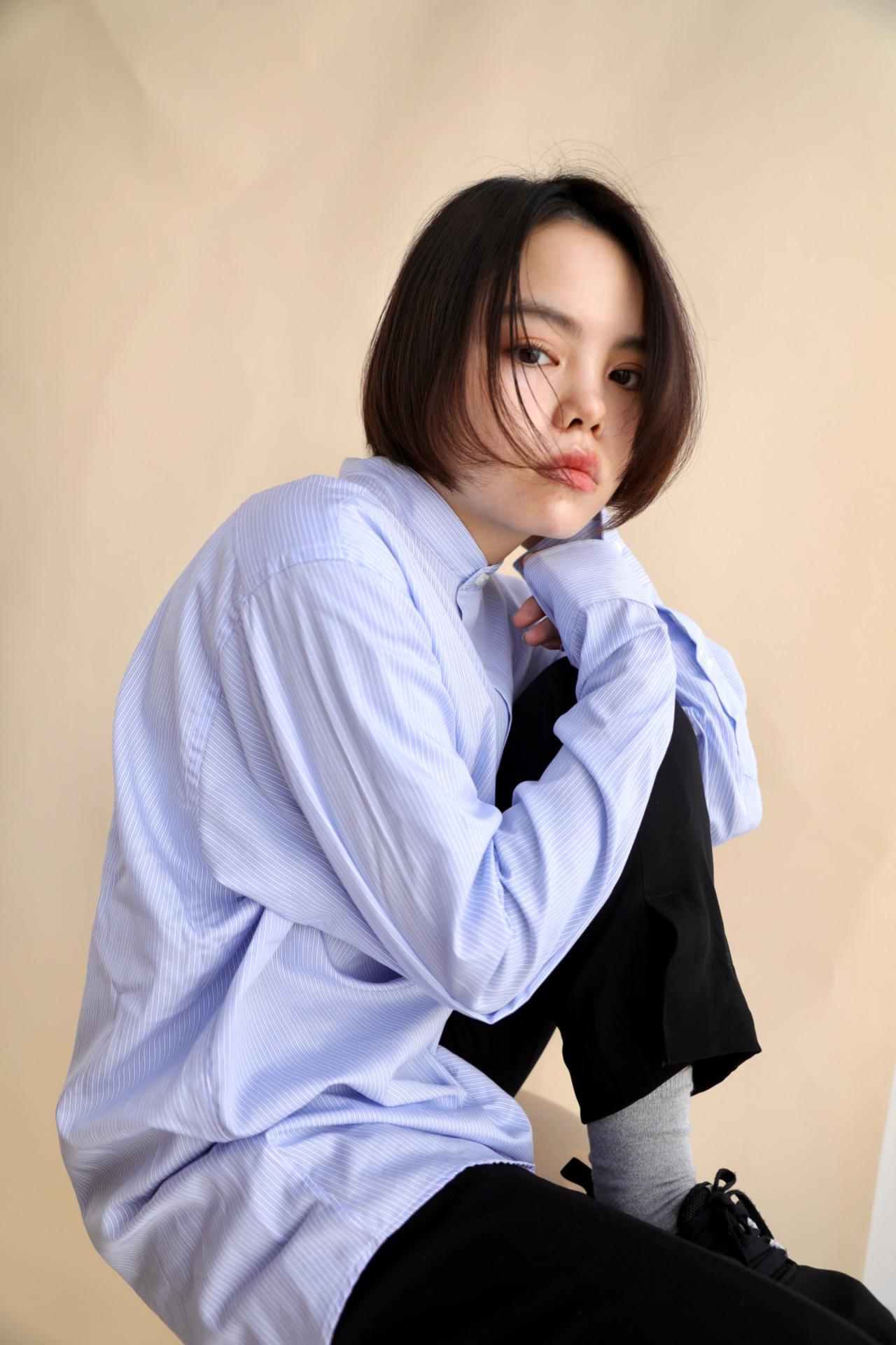切りっぱなしボブ ショート ショートヘア ナチュラル ヘアスタイルや髪型の写真・画像   Kazuya / tricca balcony