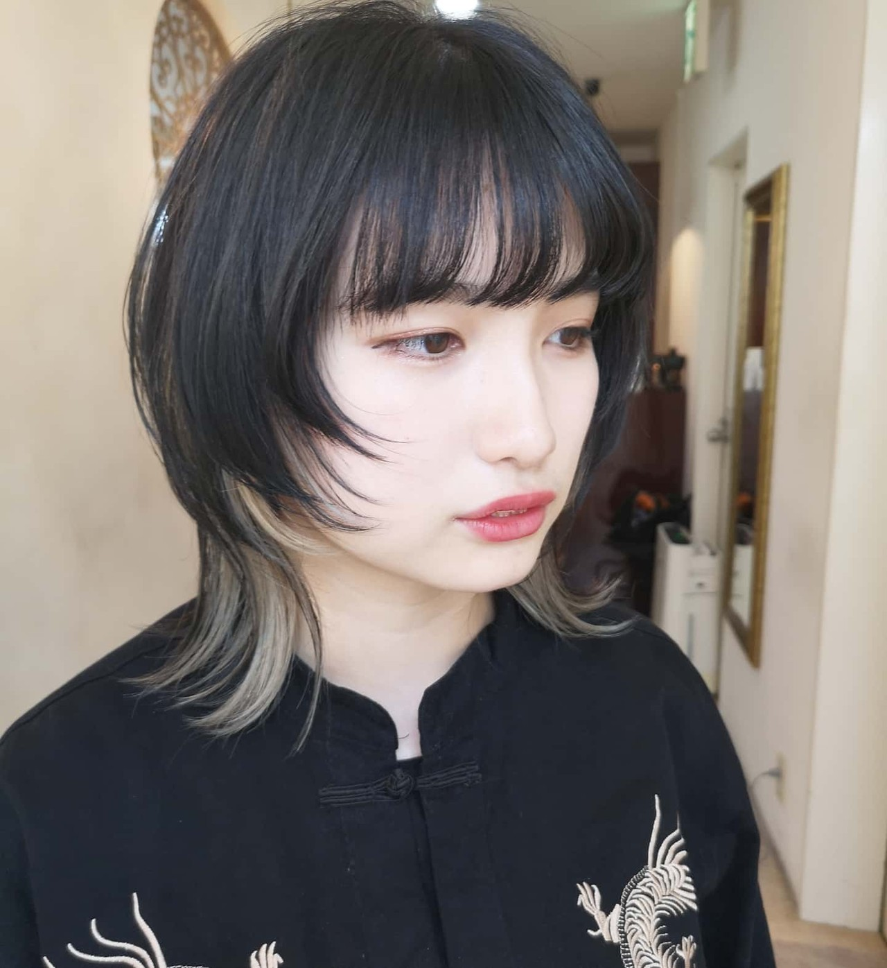 ミディアム ウルフレイヤー マッシュウルフ ウルフ ヘアスタイルや髪型の写真・画像 | Yusuke Matsumoto / HAIR'S Lunetta 心斎橋