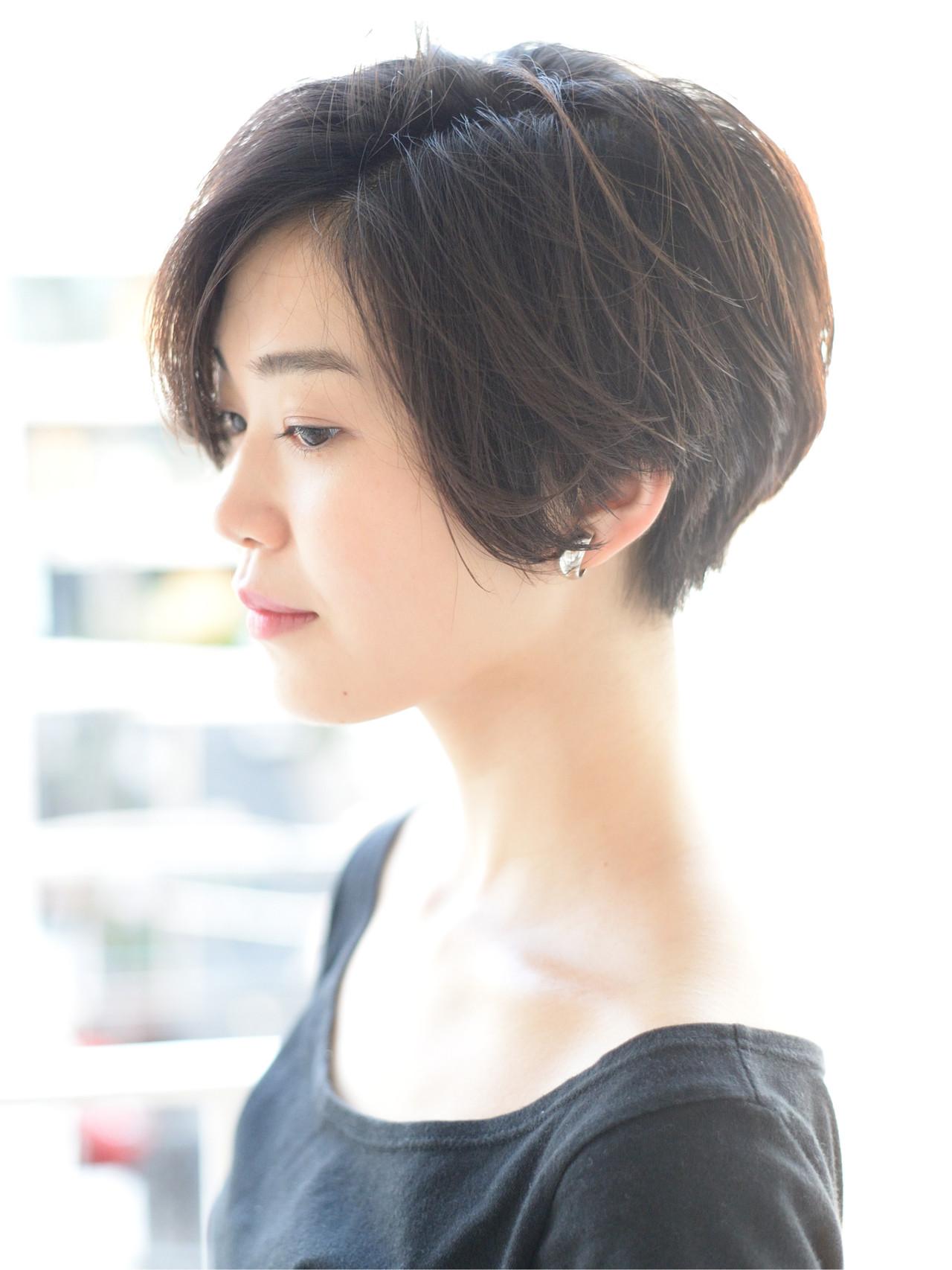 外国人風 黒髪ショート ナチュラル ショート ヘアスタイルや髪型の写真・画像