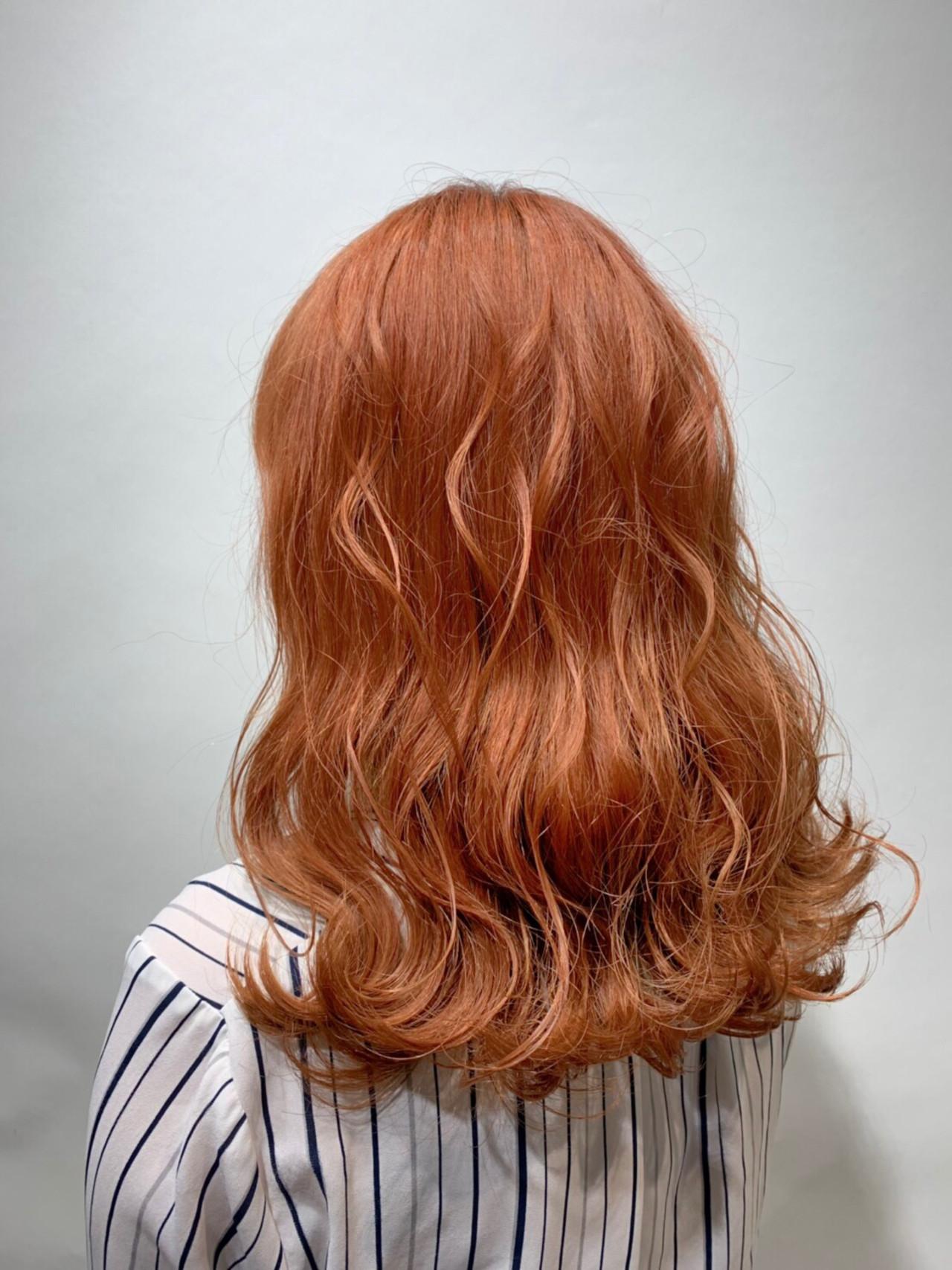 オレンジカラー ストリート ミディアム ハイトーン ヘアスタイルや髪型の写真・画像