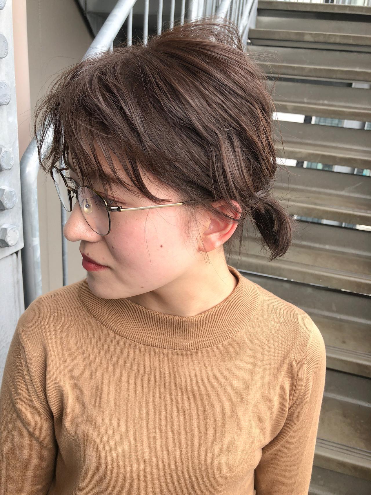 ヌーディーベージュ ナチュラル アンニュイほつれヘア ミディアム ヘアスタイルや髪型の写真・画像