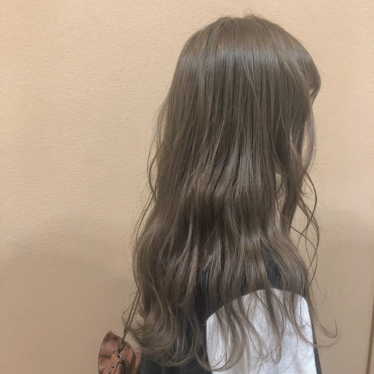 ベージュ アッシュベージュ デート ナチュラル ヘアスタイルや髪型の写真・画像