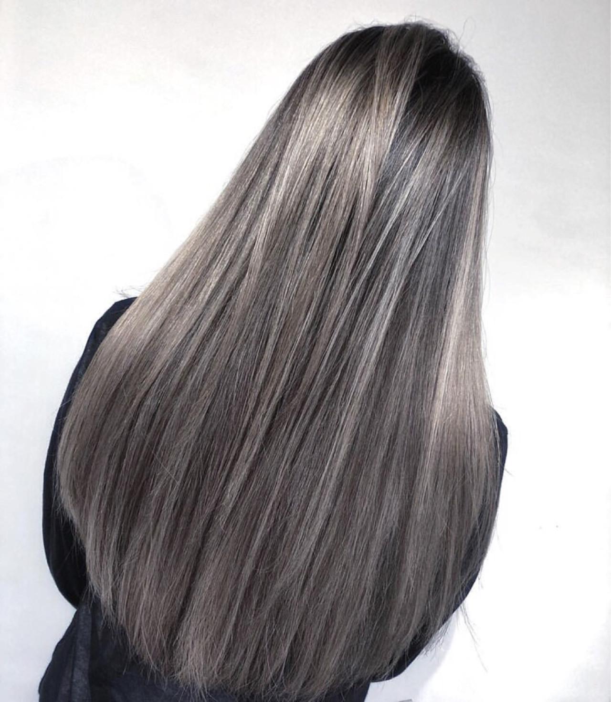 ガーリー ロング ハイライト グラデーションカラー ヘアスタイルや髪型の写真・画像