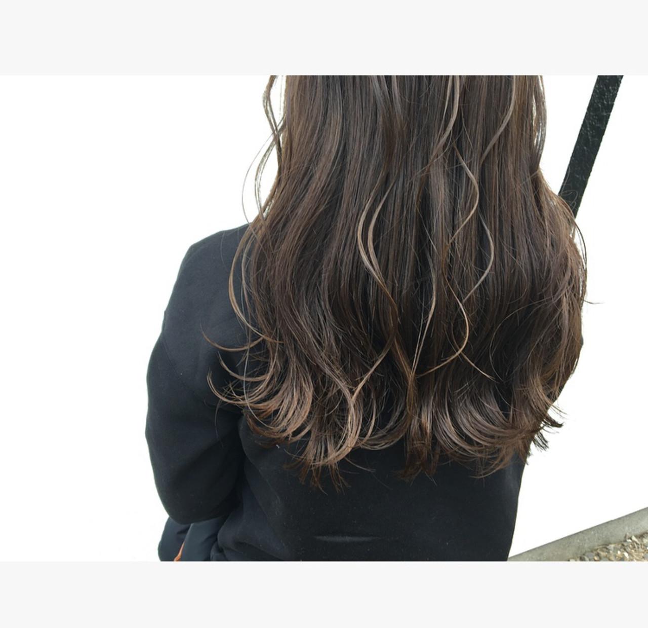 アッシュベージュ ナチュラル ハイライト 3Dハイライト ヘアスタイルや髪型の写真・画像