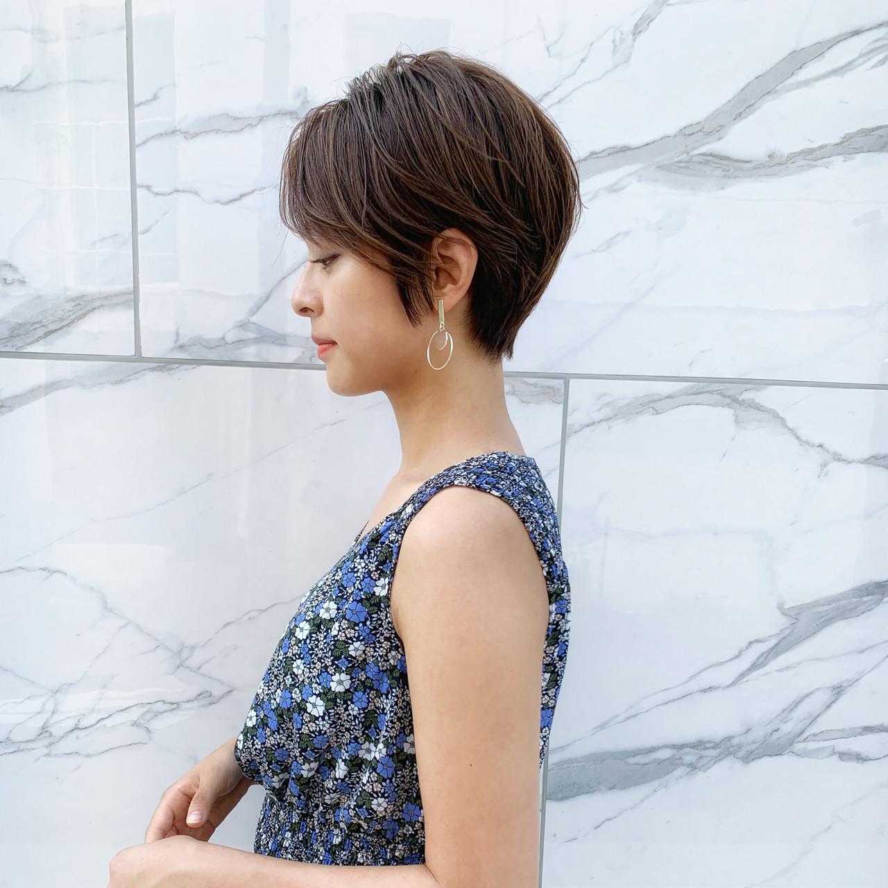 ショートボブ 小顔 ショート 絶壁カバー ヘアスタイルや髪型の写真・画像 | MANOHARU 新屋敷 / MANOHARU
