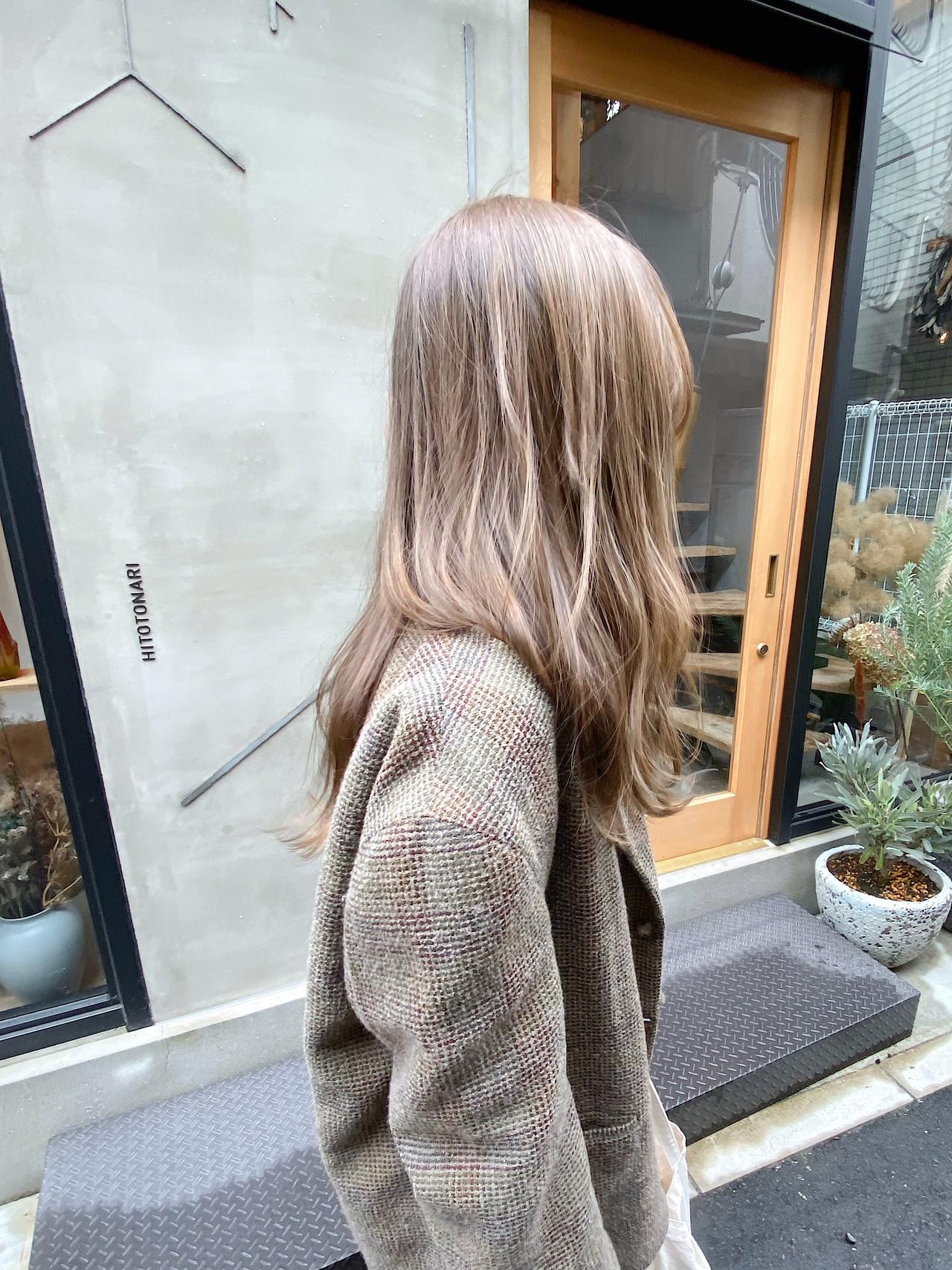 透明感 くすみベージュ アンニュイほつれヘア 透明感カラー ヘアスタイルや髪型の写真・画像 | 冨永 真太郎 / 人トナリ
