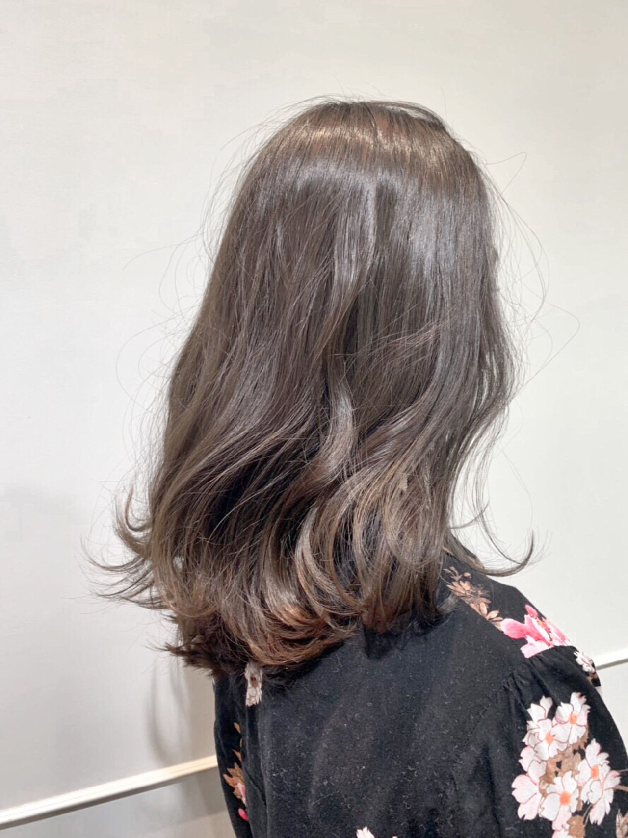 セミロング ミディアムヘアー アンニュイほつれヘア フェミニン ヘアスタイルや髪型の写真・画像