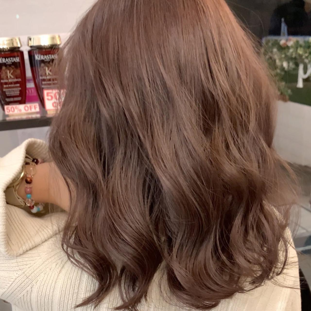 ロング ピンクベージュ インナーカラー エクステ ヘアスタイルや髪型の写真・画像 | 仲井間 誠也 / Pas de Deux LEQUIOS