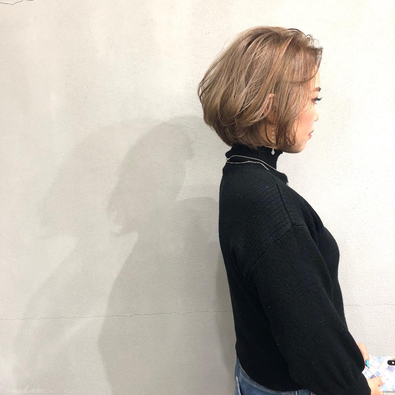 ナチュラル ミルクティーベージュ ヌーディーベージュ ショートヘア ヘアスタイルや髪型の写真・画像